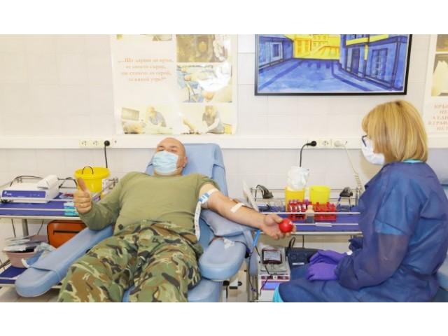 Близо 400 военни дадоха кръв за месец във ВМА