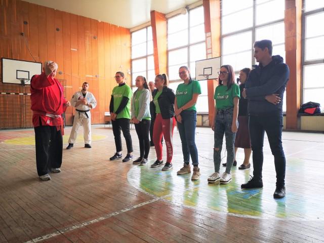 """Noi activități de voluntariat pentru echipa """"Young Volunteers"""""""